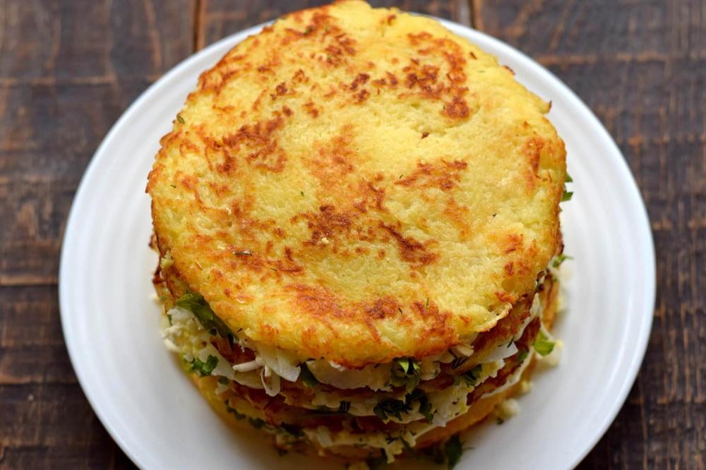 Закусочный картофельный торт с начинкой