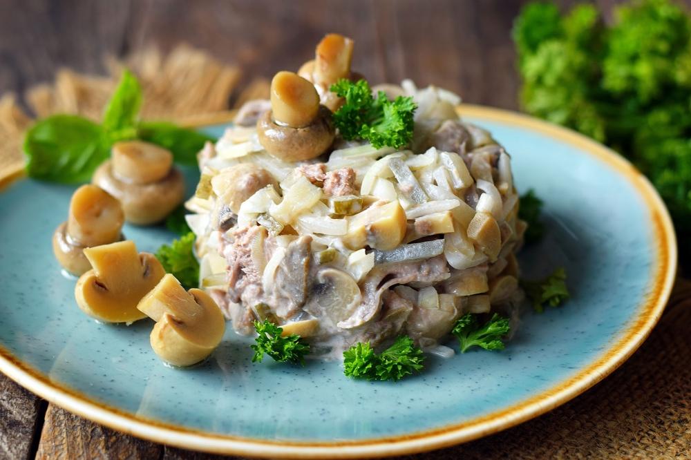 здесь салат из белых грибов картинка включает себя разные